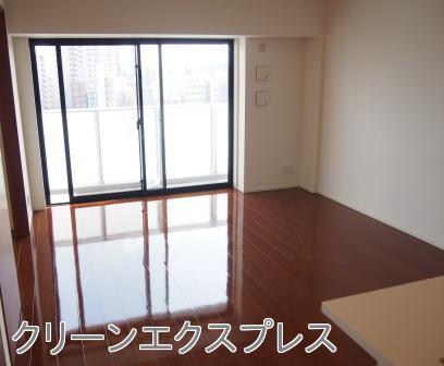 埼玉の新築物件「ウィルローズ」へフロアコーティング