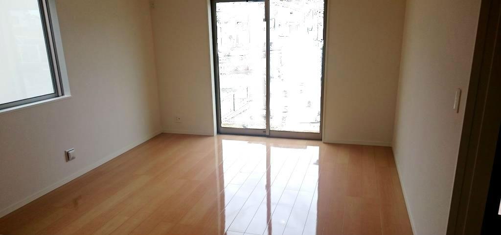 塩釜市の新築戸建て住宅の床へUVフロアコートEcoを施工!